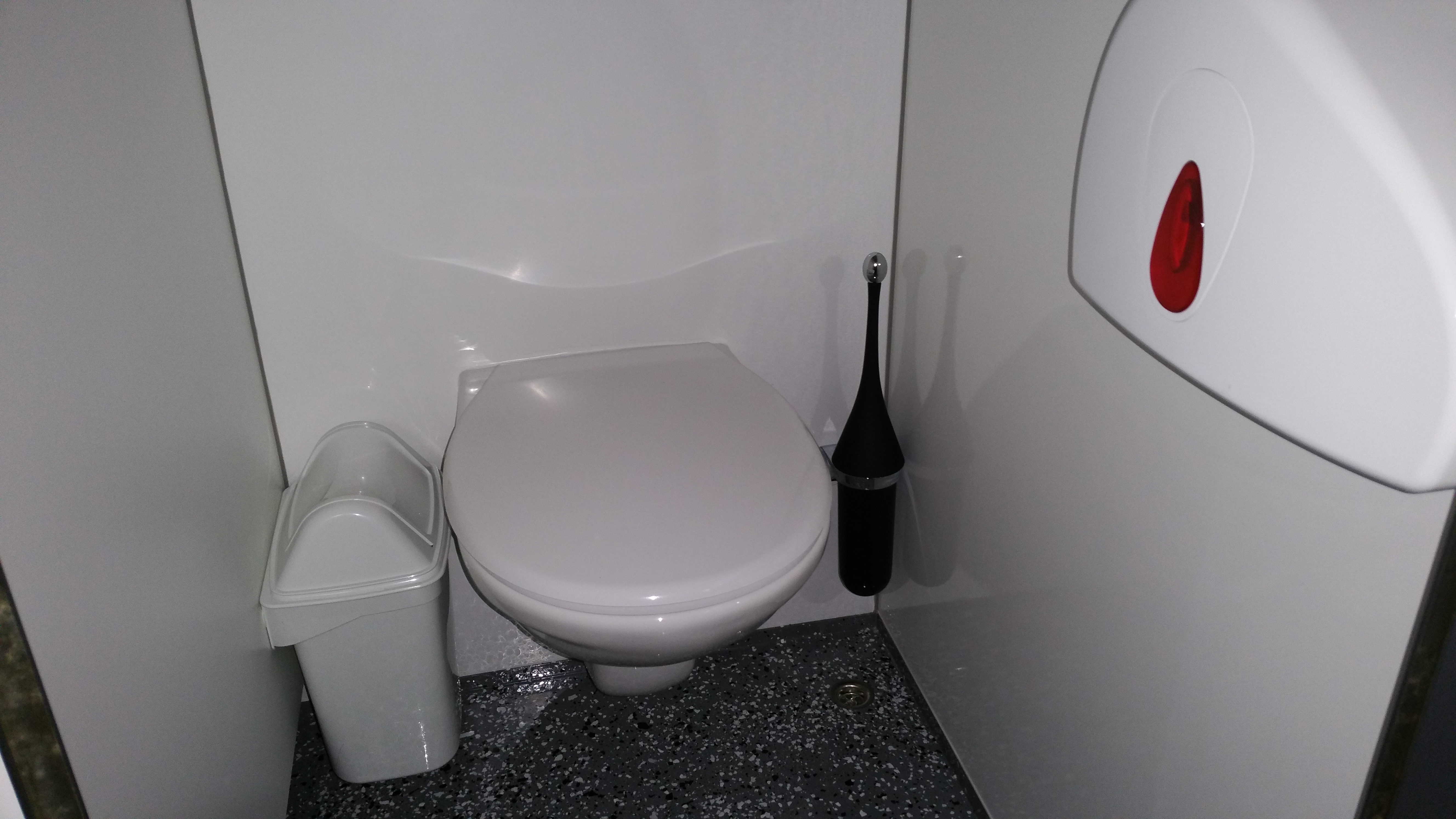 Dixie Toilet Huren : Luxe toiletwagen vip xl evento alles voor uw evenement